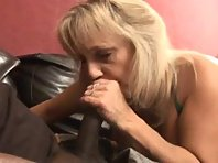 Video sexe Mature forte poitrine Gros chibre black
