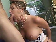 Video sexe Gros dard pour une Jeune à gros seins