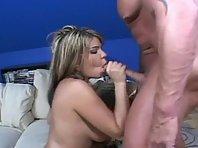 Video sexe Chatte rasée visitée par une Grosse bite