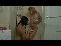 Video porno Lesbiennes petits Seins sous la douche