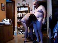 Video x Vieux couple devant la Webcam